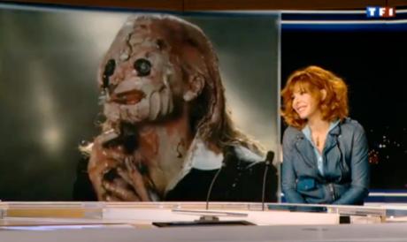 """Entre la Mylène dans la lumière de TF1 et celle du clip d'""""A l'ombre"""", le contraste est saisissant..."""