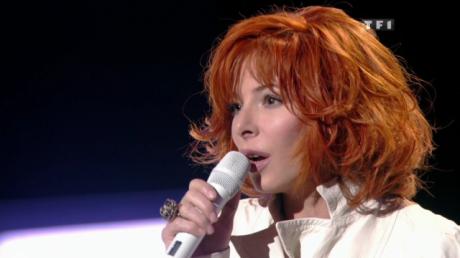 """En 2009, Mylène avait ému le public en interprétant, tout de blanc vêtue, """"Si j'avais au moins.."""".  Elle devrait réitérer l'exploit cette année en fredonnant """"Je te dis tout"""", une des plus jolies ballades de son répertoire."""