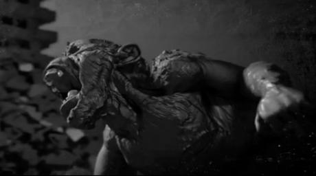 """Un clip sombre qui évoque """"King Kong"""" où Mylène est totalement absente. Une animation qui a emandé des mois de travail - ce qui explique vraisemblablement le retard dans la sortie prévue du single. Qu'en pensez-vous ?"""
