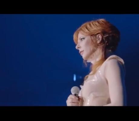 Une jolie bande-annonce où, stratégie du silence oblige, on n'entend pas Mylène chanter.